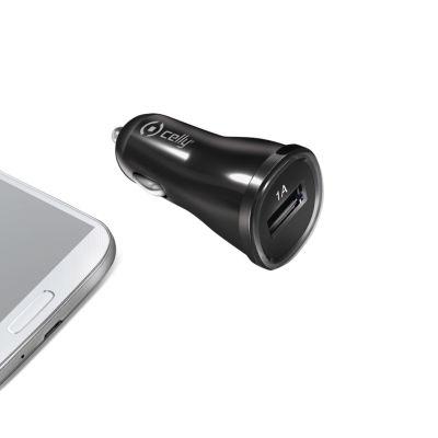 Celly Autonabíječka s USB výstupem - 1A (černá)