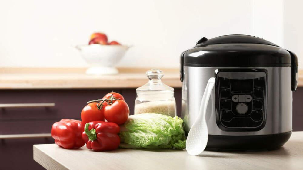 Zdravé vaření v páře: Proč si pořídit parní hrnec a podle čeho vybírat