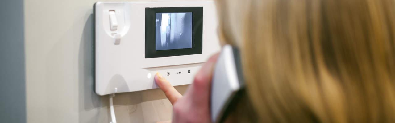 S videotelefonem víte, kdo je za dveřmi, ještě než zaklepe!
