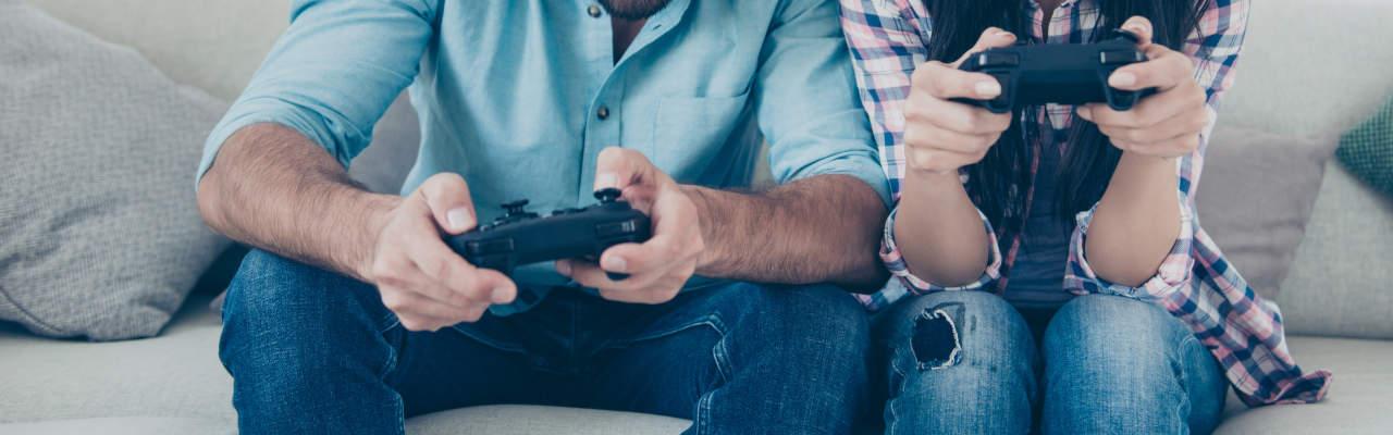 PS4 Pro vs. PS4 Slim: Který model zvolit a vyplatí se i v roce 2020?