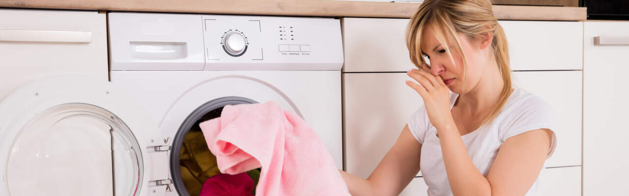 Jak vyčistit pračku: Má smysl čistění pračky sodou nebo octem?