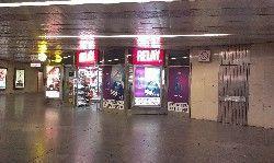 RELAY Metro Palmovka, vestibul