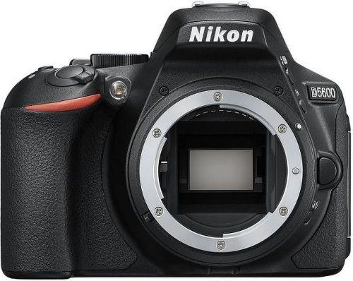 NIKON D5600+AF-S 18-140, Digitálna zrkad