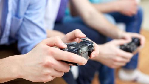 Xbox Series X vs. PlayStation 5: Která konzole nové generace udělá větší parádu?