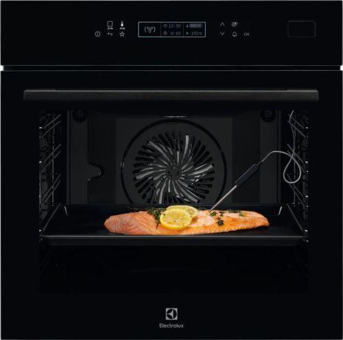 Electrolux 800 PRO SteamBoost EOB8S31Z, černá vestavná parní trouba