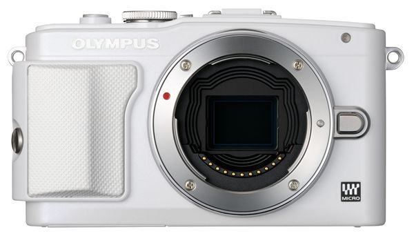 Olympus PEN E-PL6 (bílý) + EZ-M1442 II R + EZ-M4015 R