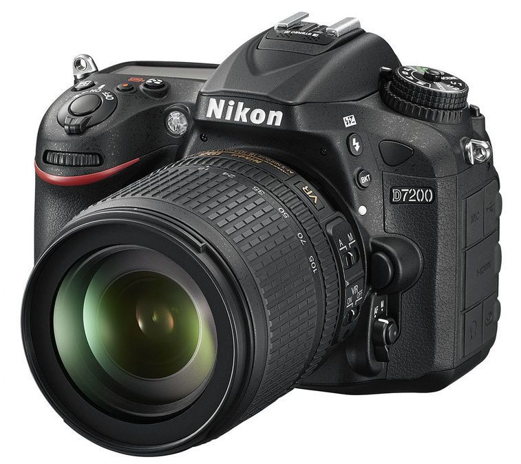 Nikon D7200 + AF-S DX 18-105 VR ED